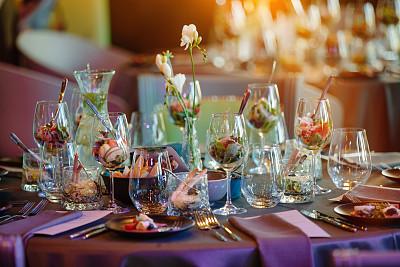 桌子,婚礼,拍摄环境,室内,白色,玻璃,闪亮的,干净,整齐的,高雅