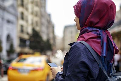 旅行者,城市,仅成年人,青年人,技术,出租车,街道,女人,仅一个女人,旅游目的地
