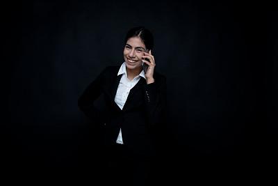 经理,青年女人,拉美人和西班牙裔人,黑发,20到29岁,半身像,人,商务人士,女商人,女性