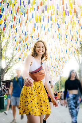 女人,夏天,乐趣,音乐节,周末活动,事件,匈牙利,舞蹈,裙子,欢乐