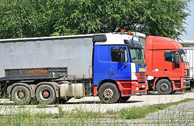 卡车,停车场,伦敦城,沥青,匈牙利,半挂式卡车,轮胎,交通方式,户外,红色