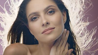美,中东人,女人,风,头发,肖像,褐色眼睛,影棚拍摄,仅一个女人,注视镜头