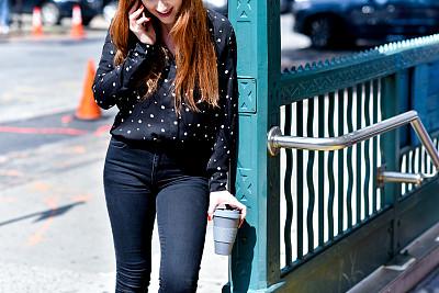 咖啡杯,幸福,拿着,回收再利用,女人,留白,仅成年人,纽约,青年人,可持续生活方式