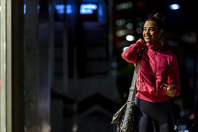 夜晚,运动竞赛,女人,活力,旅途,运动,黄昏,拿着,阴影,户外