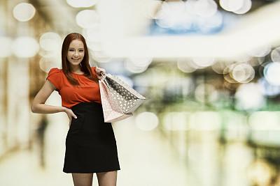青年女人,购物中心,少女,幸福,18岁到19岁,百货公司,商店,服装店,购物狂,快乐