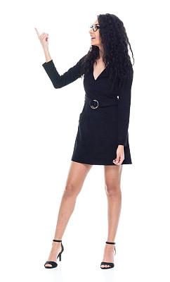 一个人,青年女人,拉美人和西班牙裔人,黑发,全身像,连衣裙,商务人士,白色背景,女商人,女性
