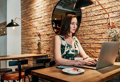 电子邮件,大量人群,理想化的,专业人员,杯,法国,技术,顾客,仅女人,仅一个女人