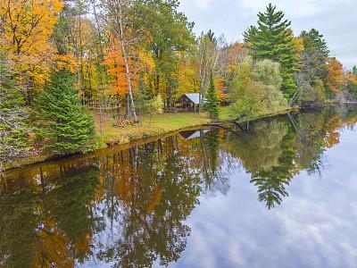 河流,平滑的,秋天,多色的,森林,汽车视镜,活力,平视角,云,橙色