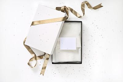 礼物标签,包装纸,蝴蝶结,开着的,剪贴路径,周年纪念,圣诞装饰物,空的,一个物体,背景分离