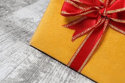 包装纸,蝴蝶结,缎带,背景,硬木地板,圣诞装饰物,一个物体,地板,复古风格,古典式