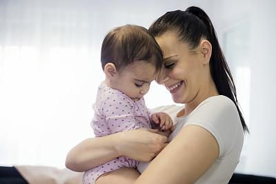 拿着,可爱的,母亲,婴儿,活力,0到11个月,家庭,女婴,肖像,小的
