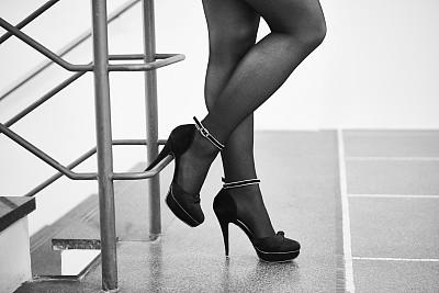 腿,足,高跟鞋,商务,部分,腰部以下,一个人,女性特质,鞋子,现代