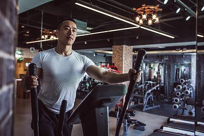 重的,运动竞赛,t恤,努力,仅男人,仅成年人,青年人,运动,信心