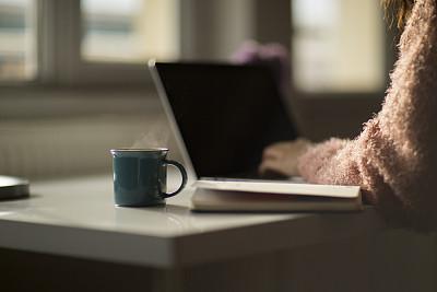 手,忙碌,特写,使用手提电脑,女性,部分,土耳其,一个物体,打字,联系