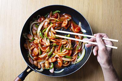 配方,番茄酱,成分,煎锅,日本,番茄肉酱意大利面,筷子,意大利面,洋葱,意大利细面条