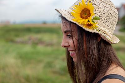 田地,自然美,向日葵,女孩,农业,仅一个女孩,浪漫,肖像,复古风格,仅儿童