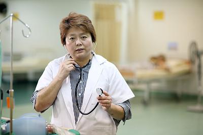 东南亚,医疗用品,真实的人,专门技术,健康保健工作人员,健康保健,专业人员,听诊器,中老年女人