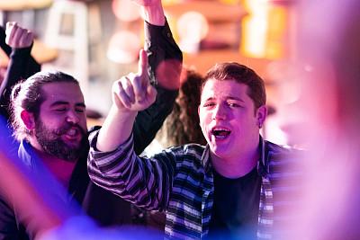 古典音乐会,青年人,观众,舞蹈,活力,周末活动,土耳其,无忧无虑,社交聚会,流行音乐会