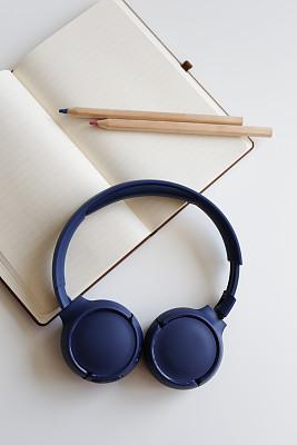 白色,耳机,书桌,笔记本,传媒,土耳其,技术,图书馆,现代,商业金融和工业