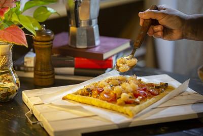 西红柿,正方形,虾,肉汁,自制的,食用菌,在上面,肉馅饼