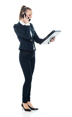 拿着,白色背景,女商人,女性,任务清单,手机,休闲正装,白色人种,衣服,站