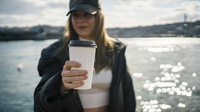 咖啡,饮料,女人,提举,街道,土耳其,肖像,技术,拿着,河流
