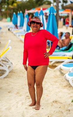 老年人,海滩,拉美人和西班牙裔人,加勒比海地区,女人