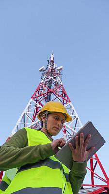 无线电通信塔,女性,田地,工程师,工作,靠近