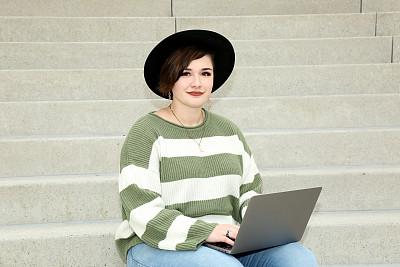 少女,平板电脑,真实的人,商务,计算机,一个人,技术,女人,沟通