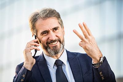 手指,数字3,中老年人,男商人,幸福,活力,中老年男人,仅一个中老年男人,教,打电话