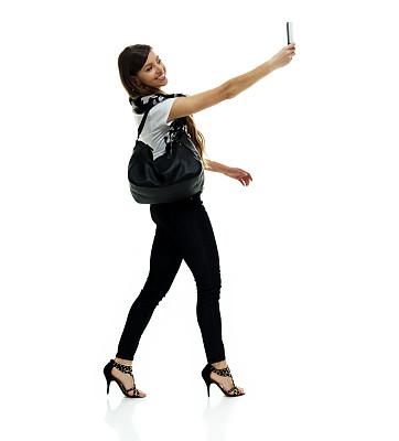 围巾,白色背景,青年女人,与摄影有关的场景,手机,衣服,白色人种,背景分离,站,做