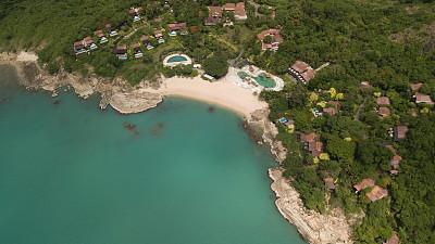 航拍视角,岛,水面,无人机视角,海岸线,旅途,航空器拍摄视角,直升机拍摄,雄蜂,泰国