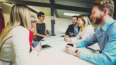 女商人,青年人,团队,想法,专业人员,咖啡杯,技术,马克杯,商业金融和工业,拿着