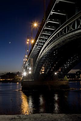 夜晚,桥,低视角,城市生活,建筑外部,灯笼,长时间曝光,照明设备,照亮