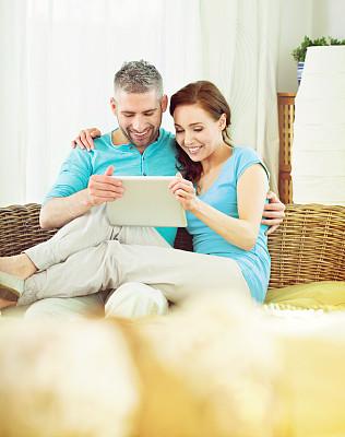 幸福,平板电脑,异性恋,丈夫,家庭,妻子,舒服,坐,爱,相伴