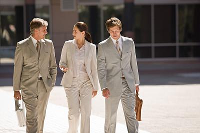 人群,街道,商务,专门技术,青年男人,公司企业,四分之三身长,合伙,相伴,步行