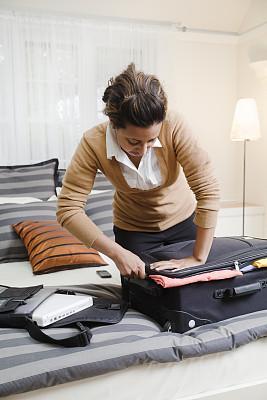 黑色,青年人,女商人,宾馆客房,行李,佛蒙特,开衫毛衣,毛衣,打包,工作