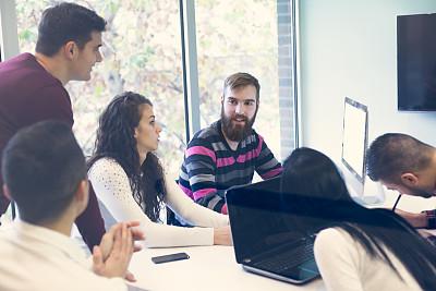 技术,商业金融和工业,办公室,脑风暴,眼镜,相伴,工作,逆光,写实