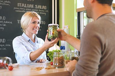 健康食物,广口瓶,沙拉,新创企业,人,25岁到29岁,白人,生活方式,围裙,工作