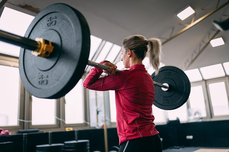 女人,健身房,负重物,金色头发,活力,心血管运动,专心,举重训练,运动,韧性