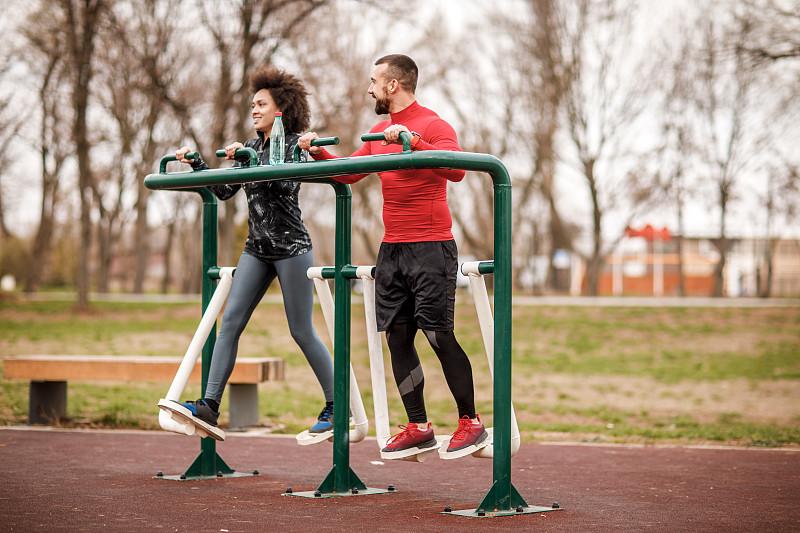 公园,伴侣,田径运动员,制造机器,青年人,活力,水瓶,脉搏图,运动,技术