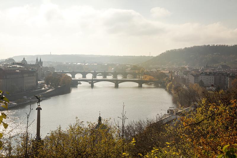 查理大桥,布拉格,波西米亚,城镇景观,河流,伏尔原因塔瓦河,户外,建筑,晴朗