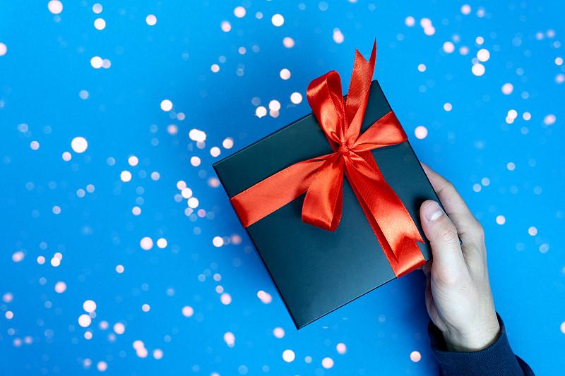 2020,彩色图片,盒子,礼物,时尚,黑色,简单,蓝色背景,艾滋病警示丝带,文字