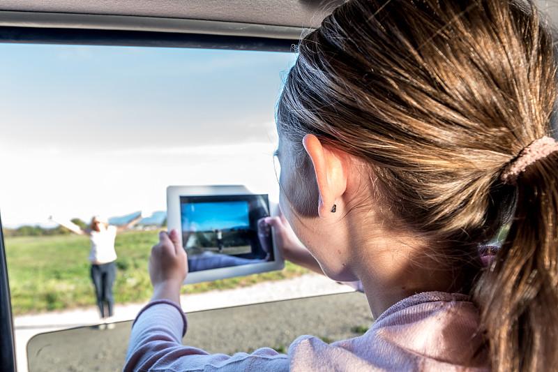 女孩,母亲,乐趣,汽车,窗户,拍照