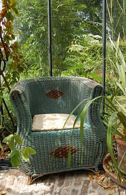 椅子,柳条,乡村风格,垂直画幅,古董,座位,门廊,枝繁叶茂,无人,古老的