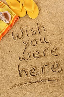 垂直画幅,休闲活动,高视角,沙子,贝壳,消息,无人,夏天,组物体,凉拖鞋
