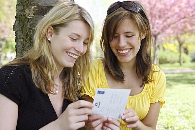 明信片,女孩,青少年,公园,青春期,水平画幅,人群,夏天,户外,白人