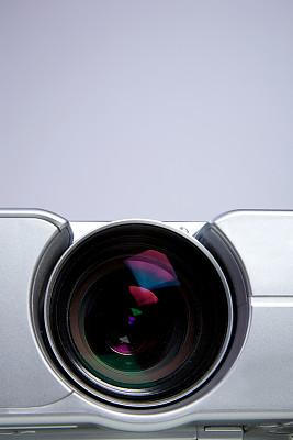 液晶显示,投影设备,电影放映机,垂直画幅,电影,无人,白色背景,计算机设备,电子行业,现代