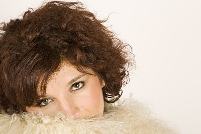 白日梦,美,30到39岁,水平画幅,美人,白人,人的眼睛,头发,白色,毛绒绒