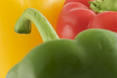 椒类食物,抽象,黄色灯笼椒,青椒,选择对焦,正面视角,水平画幅,灯笼椒,素食,无人